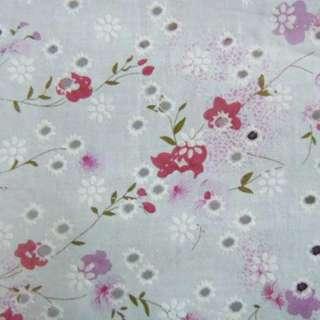 Батист белый в дырочки с розово-сиреневыми цветами ш.140