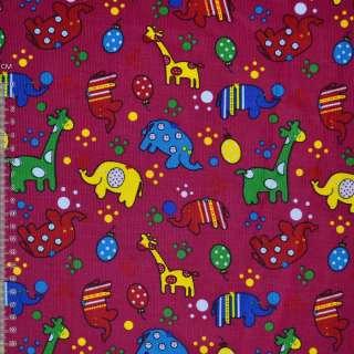 Микровельвет малиновый с жирафами и слониками ш.112