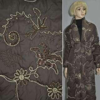 Ткань плащевая стеганая с вышитыми цветами бежевыми с пайетками коричневая, ш.150