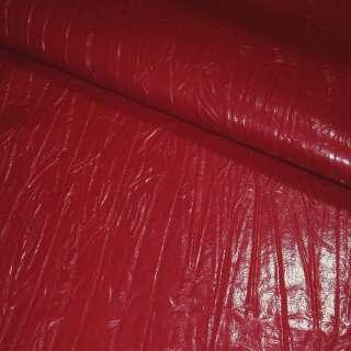 Кожа искусственная жатая лаке красная, ш.150