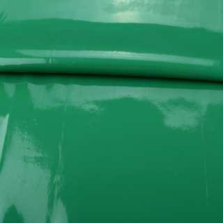 Кожа искусственная лаке на флисе зеленая ш.140