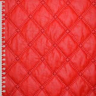 Кожа искусственная красная с вышитыми ромбами стеганая ш.150