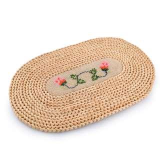 Сервировочный коврик плетеный овальный с вышивкой 2 цветочка 28х44 бежевый