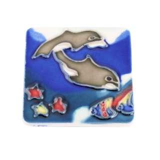 Магнит сувенирный керамика глазурь 6 х 6 см дельфины под водой