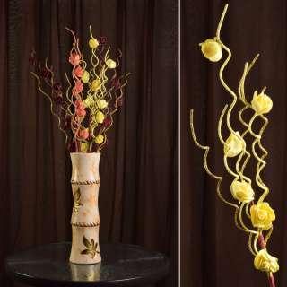 Искусственная веточка 75 см с розочками и золотистой спиралью желтая