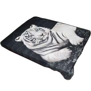 Плед флисовый 130х165 см с белым тигром черный